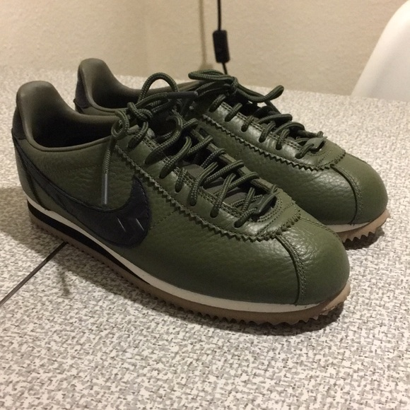 hot sale online 9fc07 7984c Olive Green Nike Cortez iD Pendleton Leather Shoes